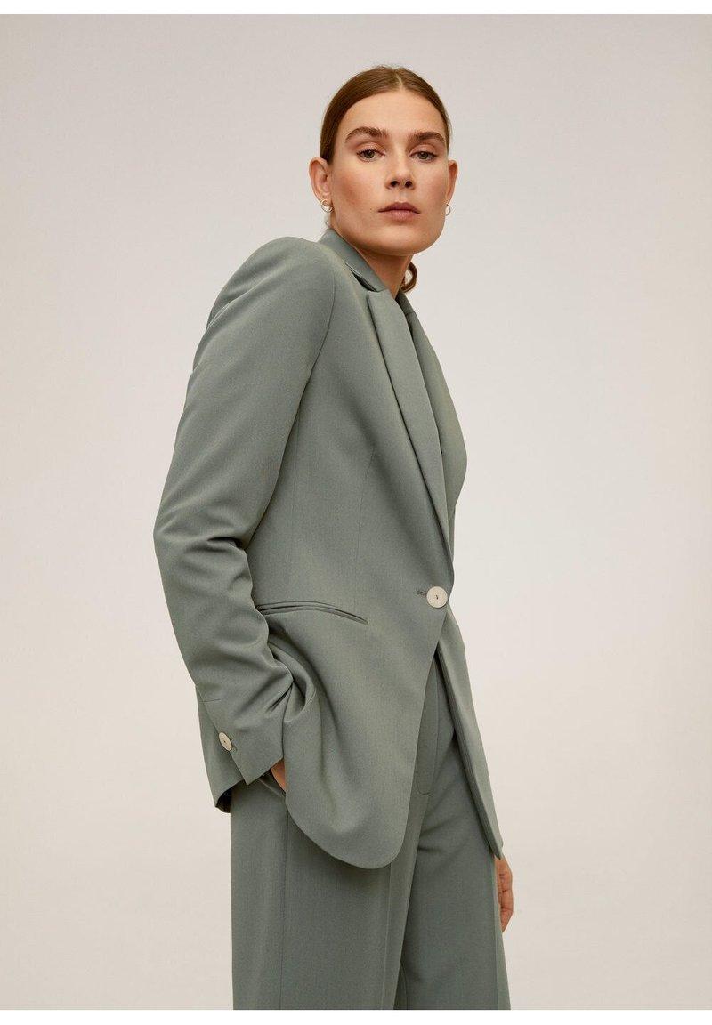 Mango - OFFICE - Short coat - grün