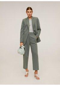 Mango - OFFICE - Short coat - grün - 1