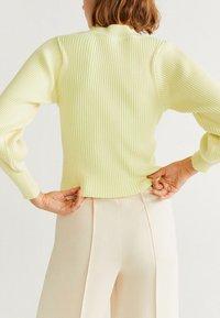 Mango - AMIRAN - Maglione - neon yellow - 2