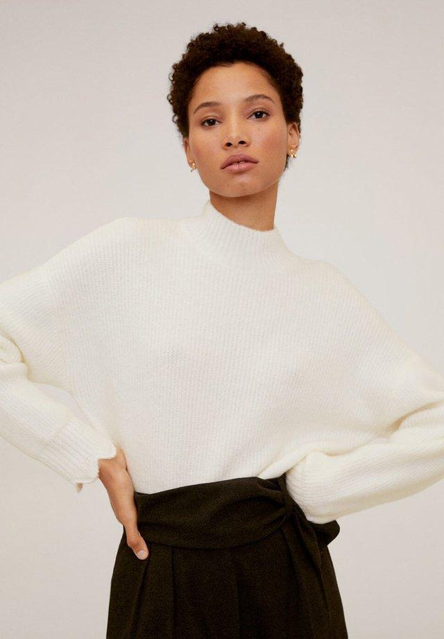 SCALLOP - Stickad tröja - white