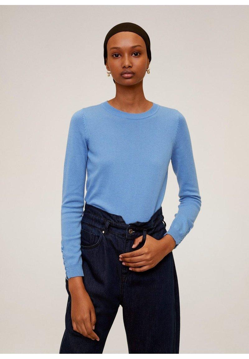 Mango - CRUZ - Sweter - himmelblau