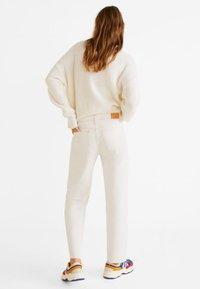 Mango - PRETTY - Jeans Straight Leg - ecru - 2