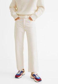 Mango - PRETTY - Jeans Straight Leg - ecru - 0