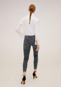 Mango - ISA - Jeans Skinny Fit - open grey - 2