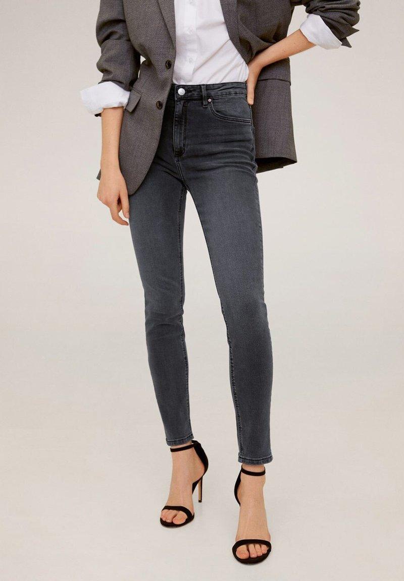 Mango - NOA - Jeans Skinny Fit - open grijs