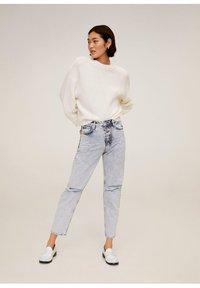Mango - MOM - Jeansy Straight Leg - bleach-blau - 1