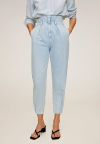 Mango - EDITION - Jeansy Relaxed Fit - Light Blue - 0