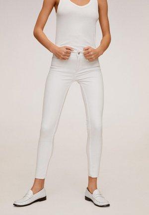KIM - Jeans Skinny Fit - weiß