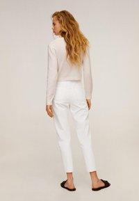 Mango - MOM - Slim fit jeans - wit - 2
