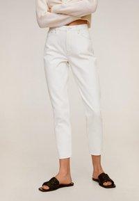 Mango - MOM - Slim fit jeans - wit - 0