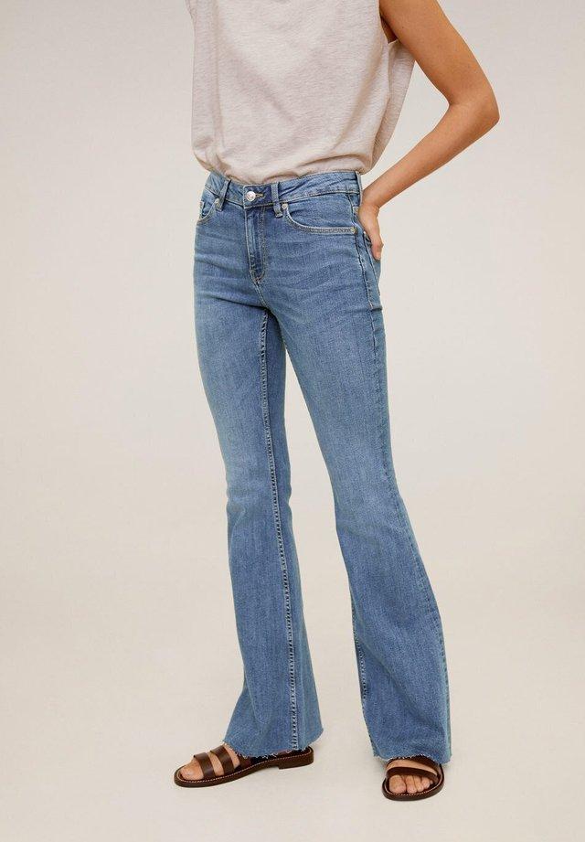 FLARE - Flared jeans - mittelblau