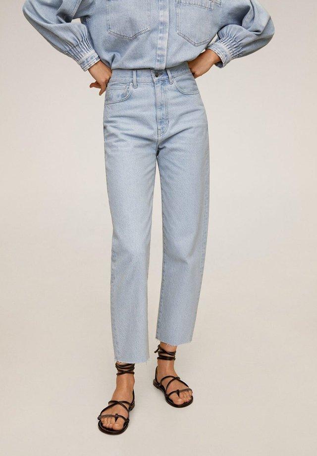 VILLAGE - Jeans straight leg - mittelblau