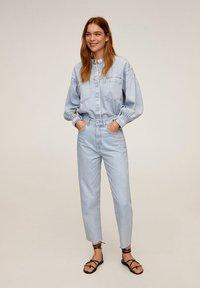 Mango - VILLAGE - Straight leg jeans - mittelblau - 1