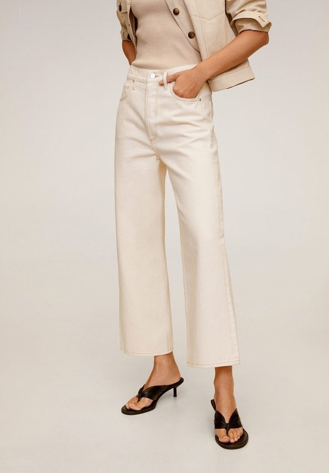 GABRIELA - Jeans straight leg - ecru