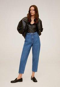 Mango - REGINA - Jeansy Straight Leg - mellemblå - 1