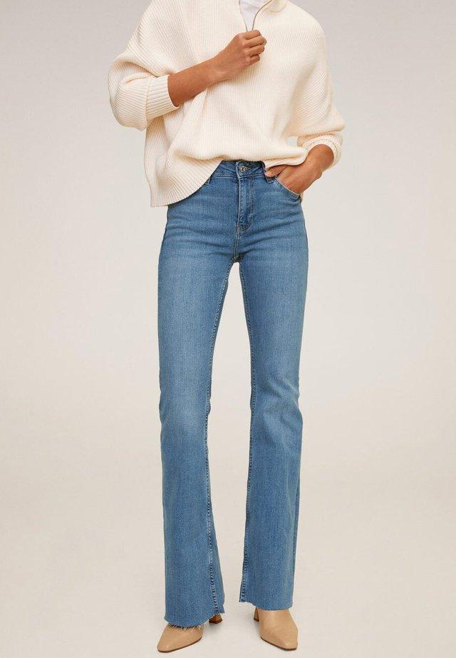 FLARE - Flared Jeans - bleu moyen