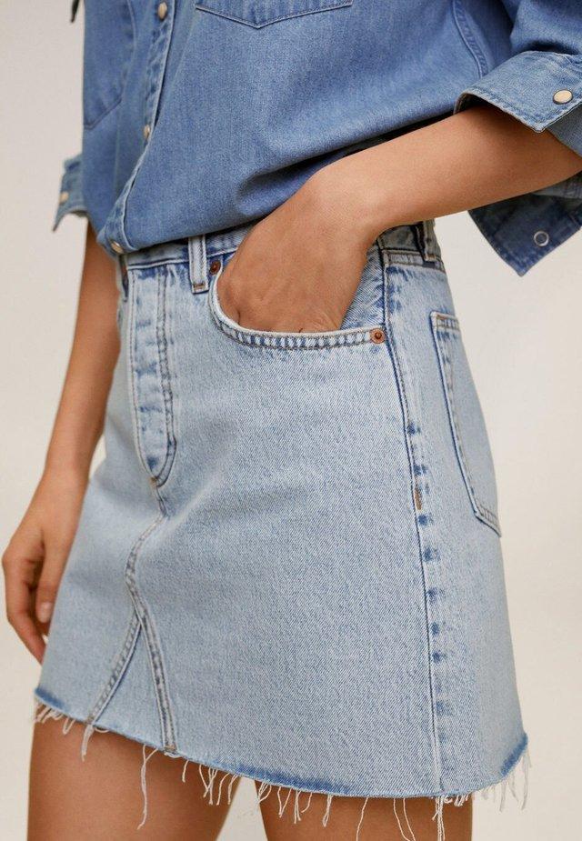 MONICA - Shorts di jeans - lichtblauw