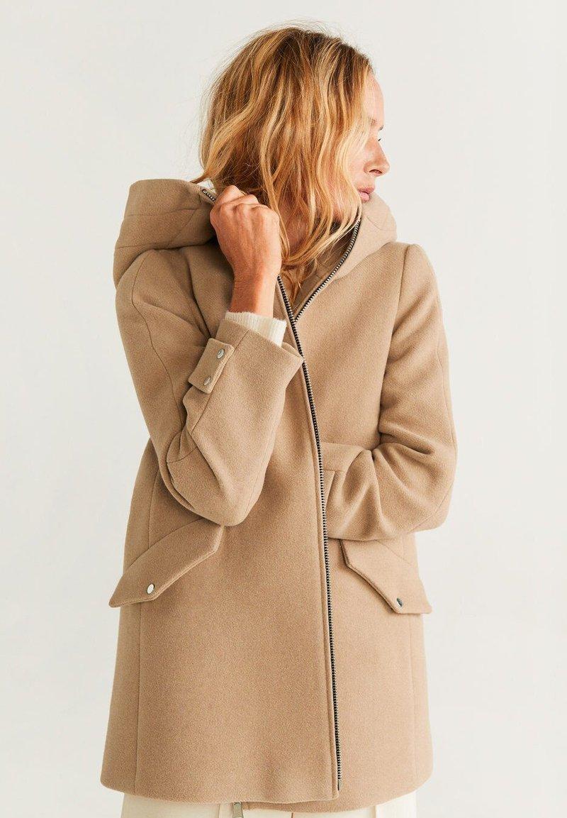 Mango - AUDREY - Krótki płaszcz - beige