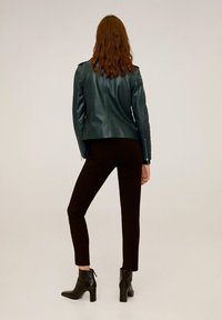 Mango - HAPPY - Leather jacket - dark green - 2