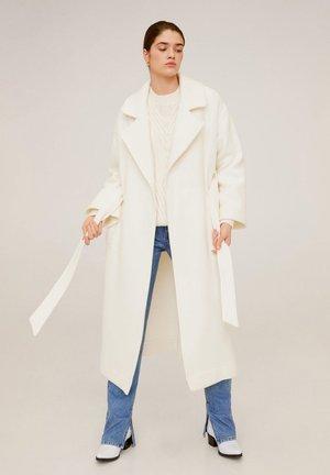 BERNI - Classic coat - ecru