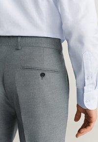 Mango - BRASILIA - Pantaloni eleganti - gray - 3