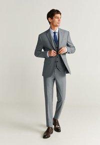 Mango - BRASILIA - Pantaloni eleganti - gray - 1