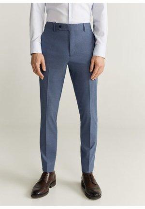 PANTALONI COMPLETO SLIM FIT GESSATI - Pantalon de costume - celeste