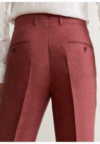 Mango - FLORIDA-I - Pantalon de costume - kersenrood - 4