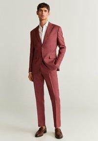 Mango - FLORIDA-I - Suit jacket - wiśniowy - 1
