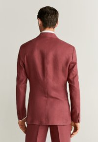 Mango - FLORIDA-I - Suit jacket - wiśniowy - 2