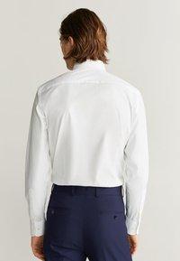 Mango - EMERITOL - Koszula biznesowa - white - 2