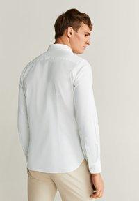 Mango - OXMART - Camicia elegante - weiß - 2
