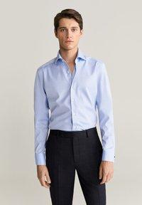 Mango - MASNOU - Camicia elegante - himmelblau - 0