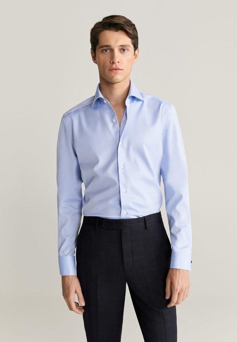 Mango - MASNOU - Camicia elegante - himmelblau
