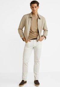 Mango - PISA - Jeansy Slim Fit - white - 1