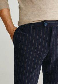 Mango - GERARDO - Pantalon classique - dark navy blue - 4