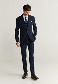 Mango - BRASILIA - Pantaloni eleganti - royal blue - 1