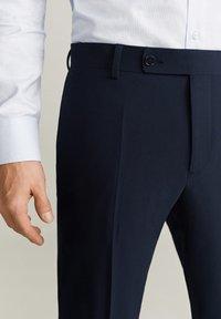 Mango - BRASILIA - Pantaloni eleganti - royal blue - 3