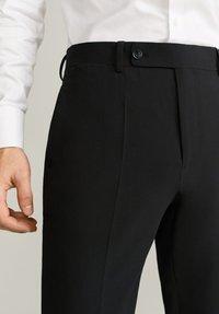 Mango - BRASILIA - Pantaloni eleganti - black - 3