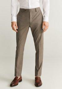 Mango - BRASILIA - Pantalon classique - beige - 0
