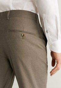 Mango - BRASILIA - Pantalon classique - beige - 3
