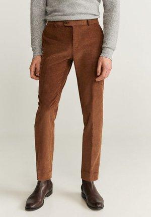 SLIM FIT-CORDHOSE - Pantalon classique - mittelbraun