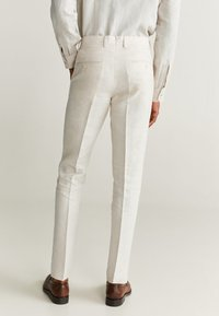 Mango - FLORIDA - Pantalon de costume - ecru - 2