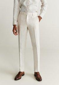 Mango - FLORIDA - Pantalon de costume - ecru - 0