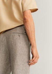 Mango - OYSTER - Trousers - mittelbraun - 4