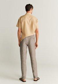 Mango - OYSTER - Trousers - mittelbraun - 2
