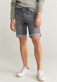 Mango - ROCKH - Szorty jeansowe - grey denim - 0