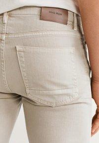 Mango - ALEX - Jeans slim fit - beige - 3