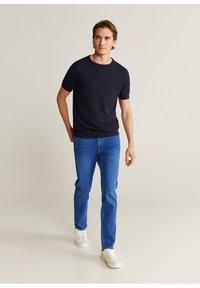 Mango - JAN - Slim fit jeans - bleu foncé - 1