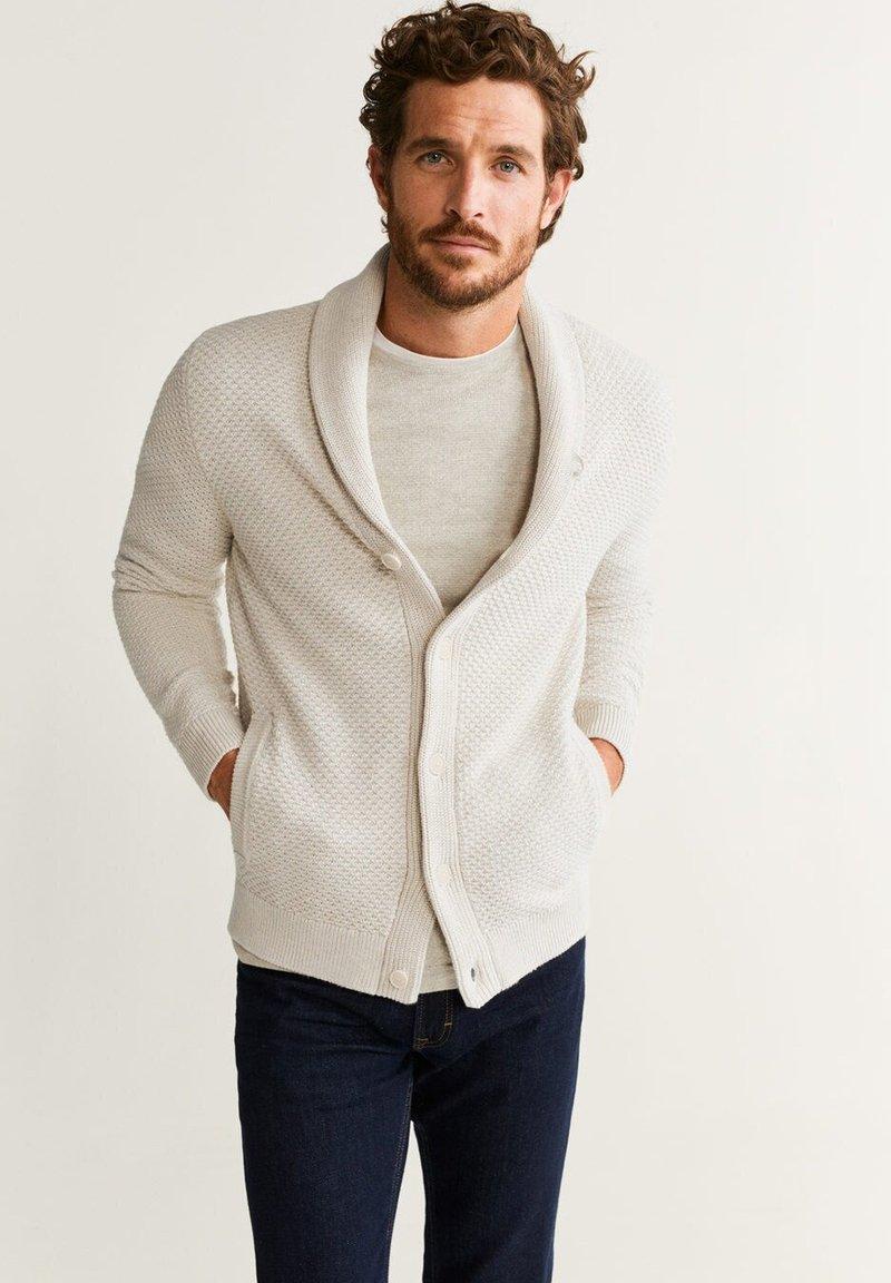 Mango - BINGER - Vest - beige